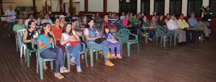 Representantes de los tres municipios debatieron sobre sus fortalezas y debilidades.