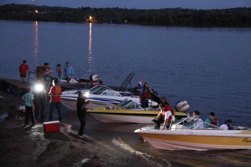 Pescadores en Bella Vista (imagen de archivo del Club de Pesca).
